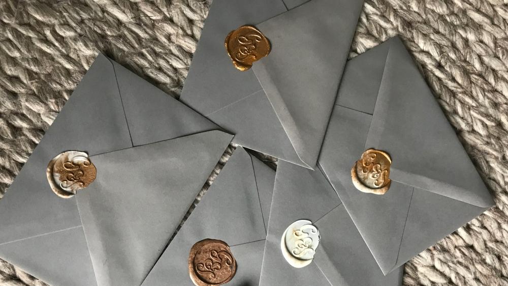 Bespoke_Wedding_WaxSeals_GreyEnvelopes